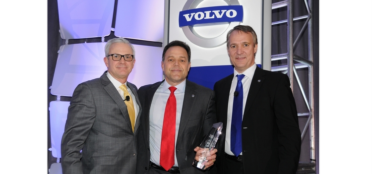Volvo Trucks names Nacarato Volvo 2013 North American Dealer of the Year