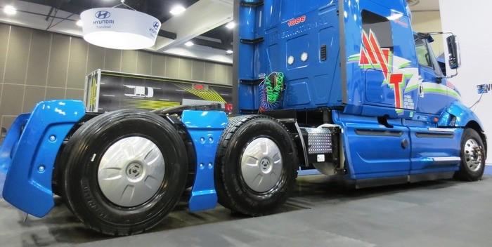 FlowBelow's Tractor Aerokits chosen for fuel consumption reduction