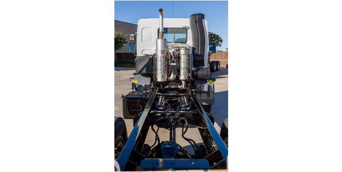 Peterbilt-Model-220-Clear-Frame-Rails