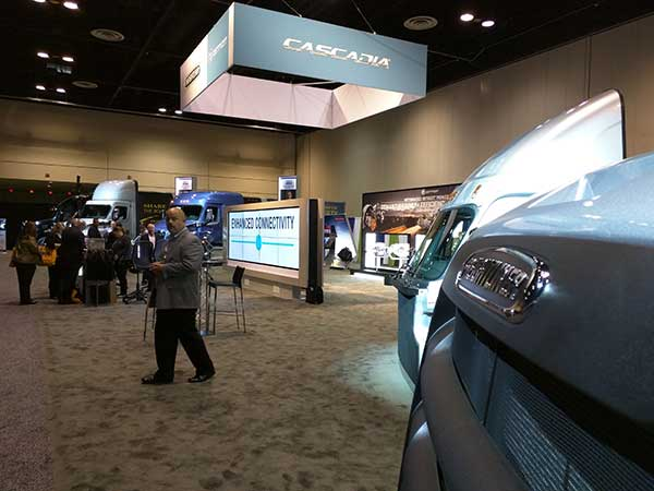 Freightliner-Booth